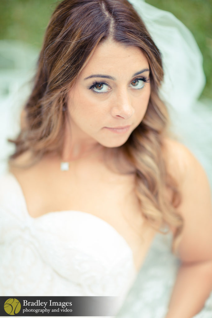 Woodholme Country Club Bride Pose